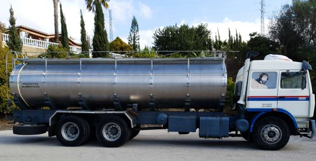 camion especializado transporte agua no potable