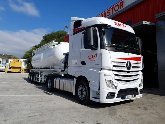 Transporte_especializado suministro de agua Málaga