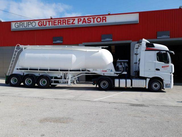 Camion para el transporte de agua de regadío